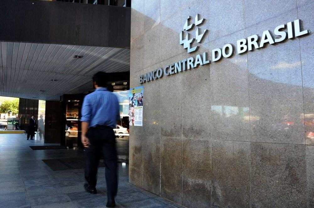 Ex-gestores do BC e do banco FonteCindam são absolvidos pelo TCU