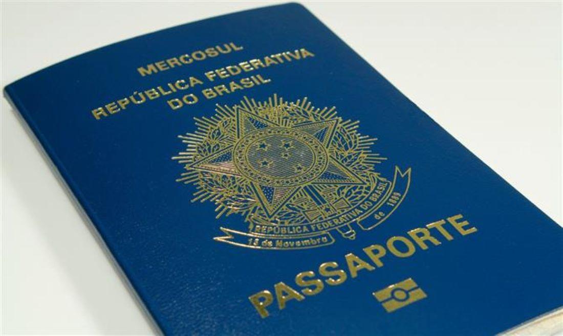 Brasão da República voltará à capa do passaporte brasileiro