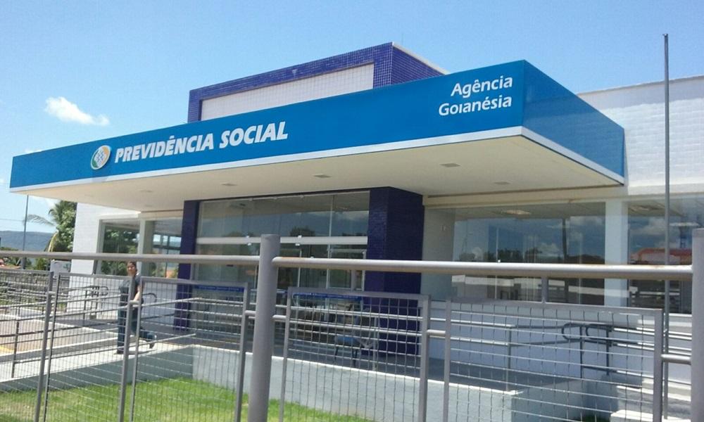 Servidores aposentados serão contratados pelo INSS para fazer home office