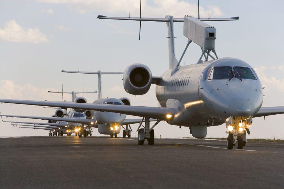 Após acordo cancelado, Embraer atrai outros estrangeiros